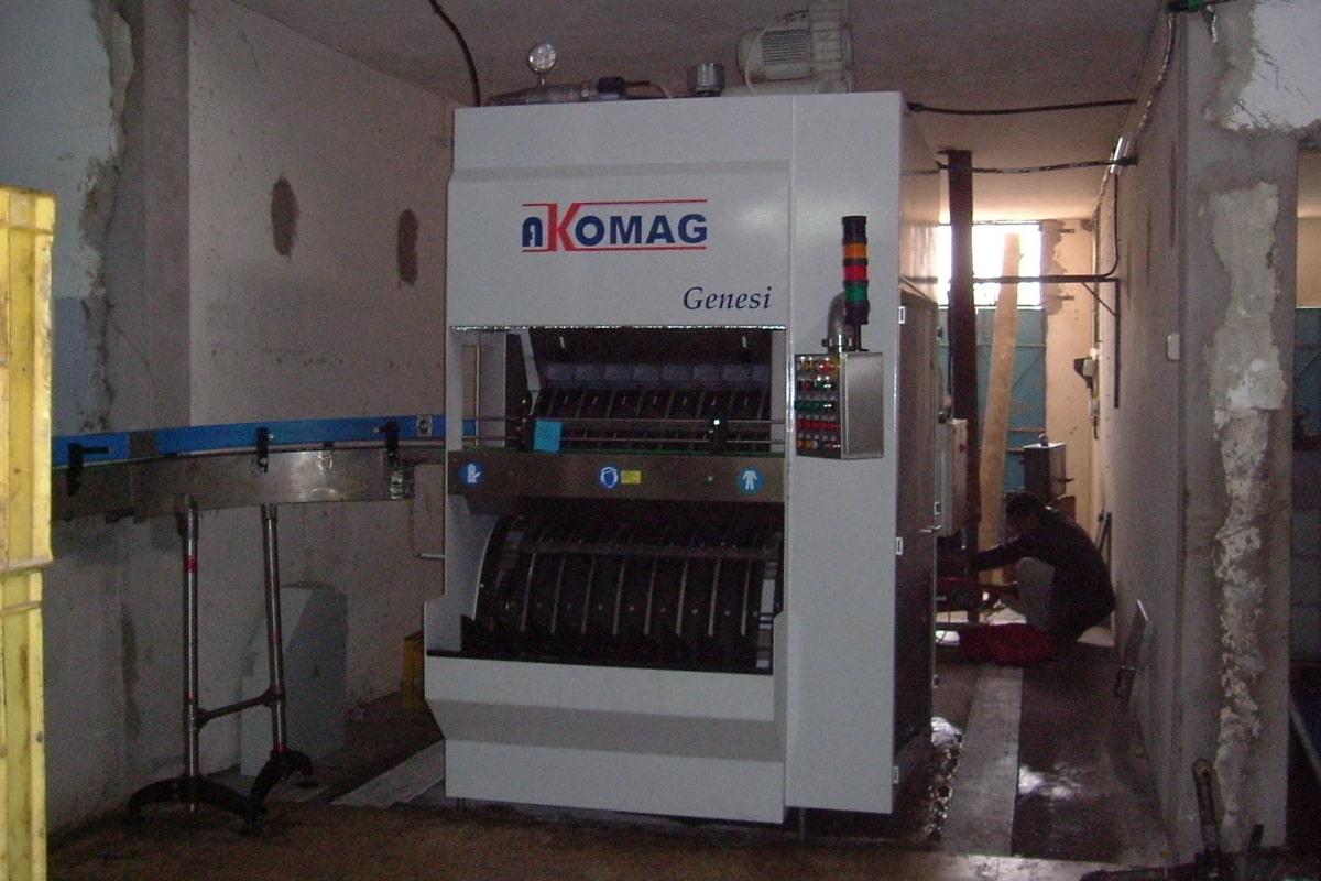 Genesi lavabottiglie Akomag